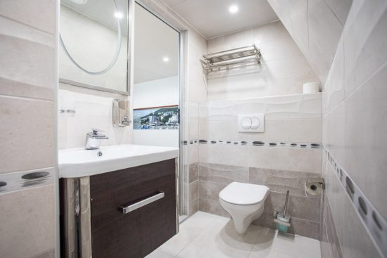 MS Stella Maris - Bathroom